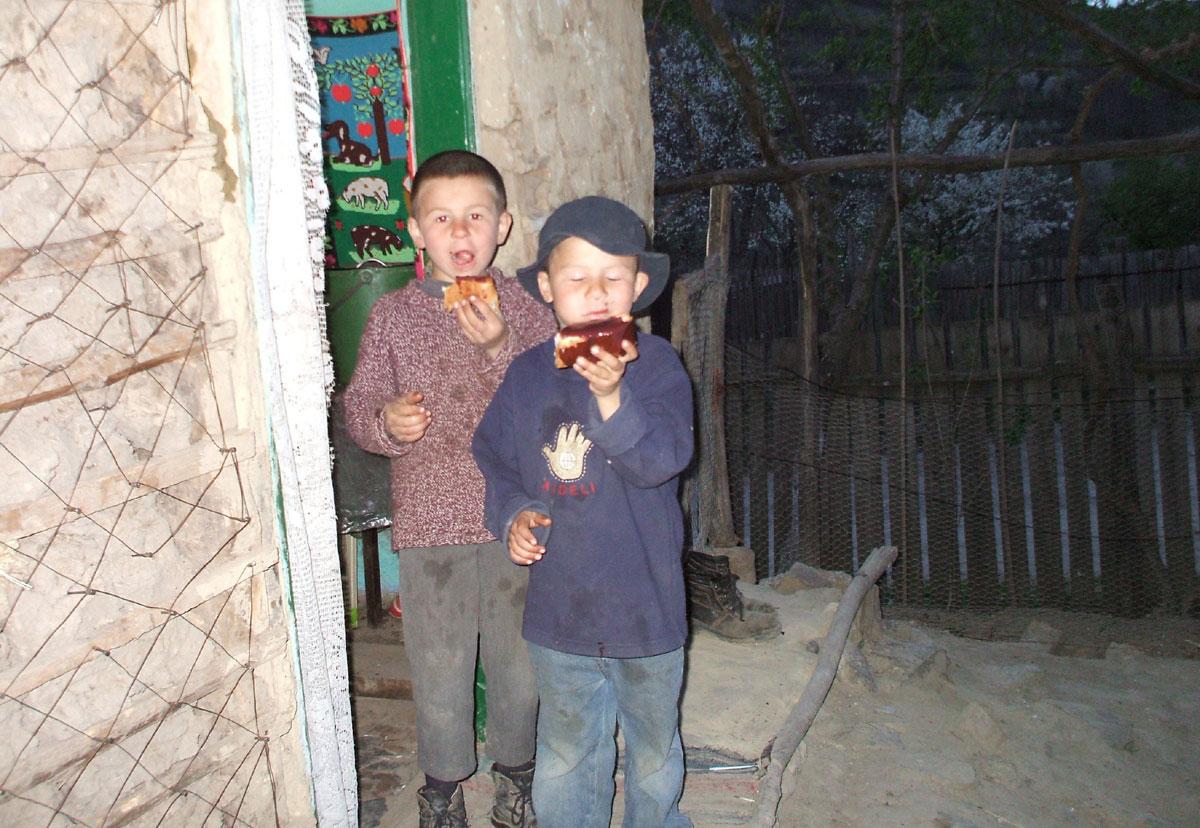 HUDT Work - Feeding the Hungry in Calugara